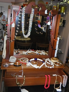 Necklaces, Braclets & MORE!!
